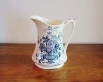 Alfred Meakin Charlotte Blue Transferware Pitcher, 36 Ounce English Staffordshire China, Romantic Old English Style