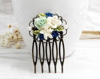 Small Hair Comb, Resin Flower Hair Comb, Girls Jewelry, Floral Pendant Hairpin, Cottage Chic, Art Deco Accessory, Friendship Jewelry Gift