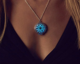 Best Friend Gift - Gifts - Blue Necklace - Gifts for Her under 30 - Gifts for her Birthday - Blue Glowing Necklace - Gift