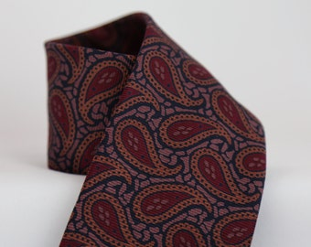 Vintage Silk Magenta Paisley Tie XL