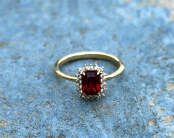 Ruby ring,White gold 14kt,Ruby Jewelry,July Birthstone,Ruby Solitaire Ring,Gold Jewelry,Engagement ring,Statement ring,For her,Birthday Gift