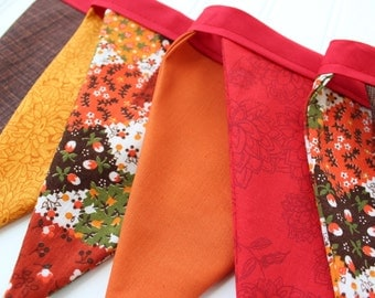 Autumn Harvest Fabric Banner. Fall Bunting. Thanksgiving Pennant Garland. Vintage Calico Fabric. Fall Decor. Harvest Home. Photography Prop.