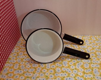 White Vintage Enamelware Pan Set, Kitchen Sauce Pans, Farmhouse Pans, Enamel Cookware