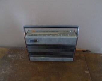 Roberts RP26-B radio