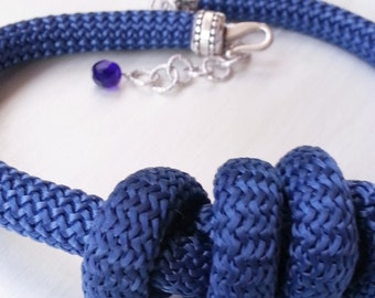 Blu rope ethnical collar with knot
