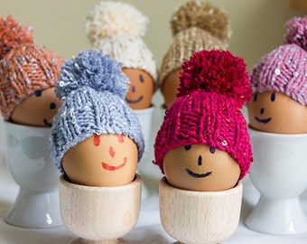 Fashionable egg cosies with glittery sequins, set of 6, making your eggs look trendy. egg warmer, egg hat.
