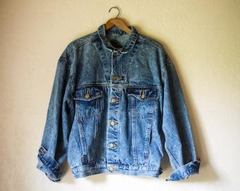Acid Washed Medium Vintage Denim Jacket 80s stonewashed Mens Trucker Jacket / Mens Jean Jacket Slouch Contrast stitching blue stonewash