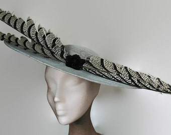Silver grey hat with feathers, kentucky derby hat gray, grey wedding hat, grey ascot hat, races hat silver, tea party hats, grey fascinator