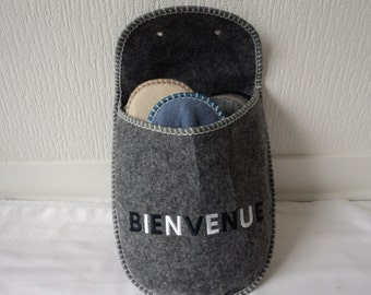 Set of guest slippers in a welcome bag (01657)