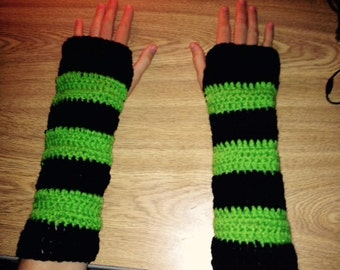 Green&Black Armwarmers