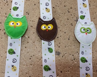 Pacifier clip homemade Owl customized with embroidered name dummy clips