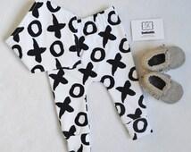 XO monochrome leggings, monochrome pants, mono leggings, cross leggings, gender neutral leggings, kiss leggings, summer leggings, unisex