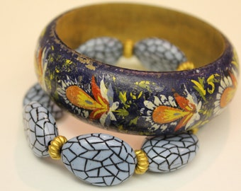 Lot of two wooden bangle from Mexico