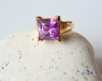 Amethyst Crystal Sterling Silver Ring Vintage Gold Washed Purple Ring Size 6 Gold Plated Ring size 6, February Birthstone Gold Jewelry