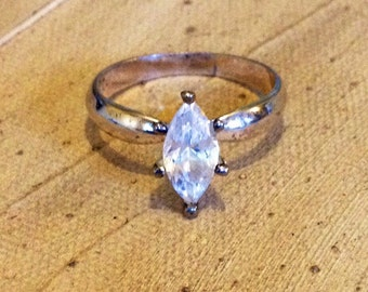 Sterling Silver - Cubic zirconia ring