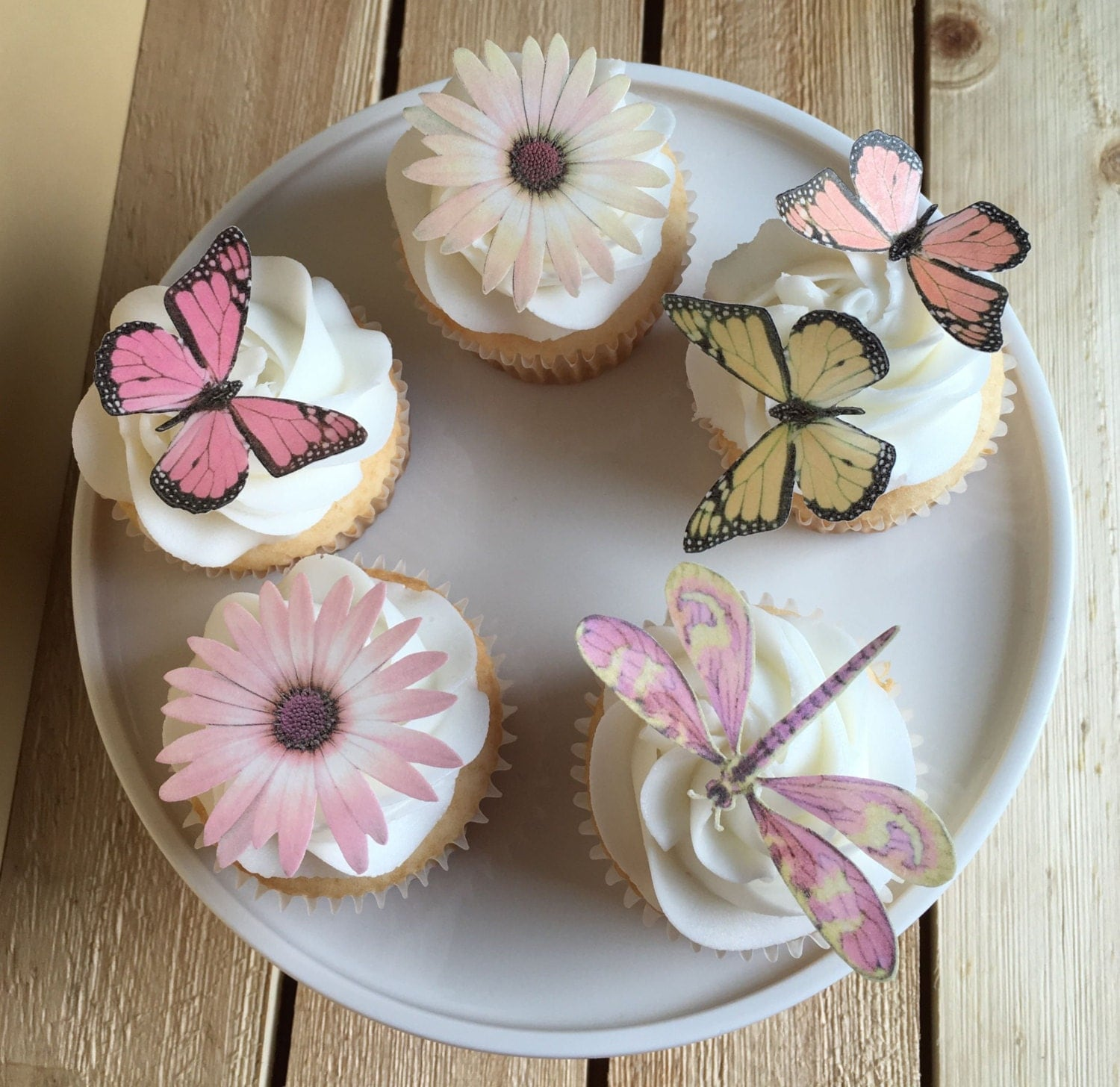 flowers on wedding cake safe butterfly butterflies flowers dragonfly edible paper 14348