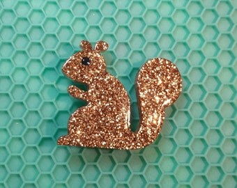 Glitter squirrel friend brooch