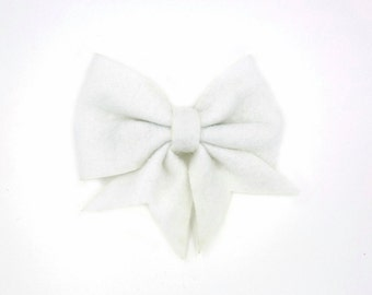 Snow White Lucy Bow