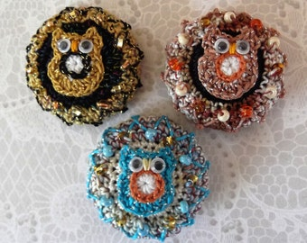 One Crochet Studio Button - Cute Owl!