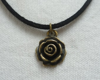 Rose choker,rose necklace,bronze rose,gift,choker necklace,black choker,rose jewelry,minimalist,simple jewelry,gift,flower choker,small rose