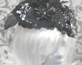 Large Fascinator, black with white pearls
