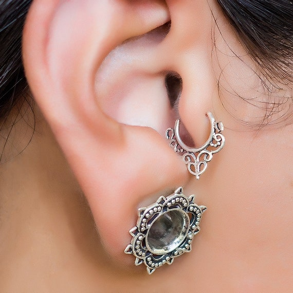 Tragus earring. cartilage hoop. cartilage earring. gold tragus earring. helix hoop. helix earring. tribal jewelry. boho earrings.