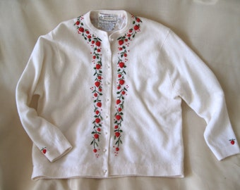 Vintage 60's  White Lambswool angora Sweater with Strawberry Detail