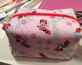 Minnie mouse zipper pouch
