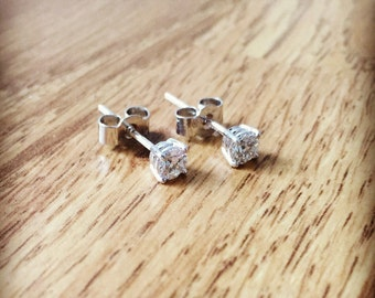 18ct White Gold 0.40ct Diamond Stud Earrings