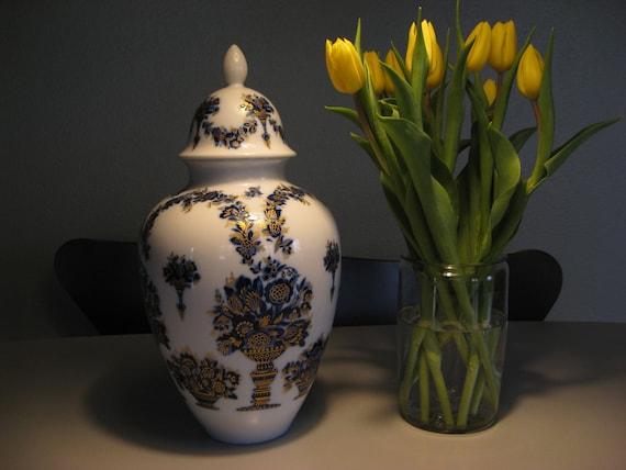 large lid vase genuine heinrich germany echt kobalt hofgarten. Black Bedroom Furniture Sets. Home Design Ideas
