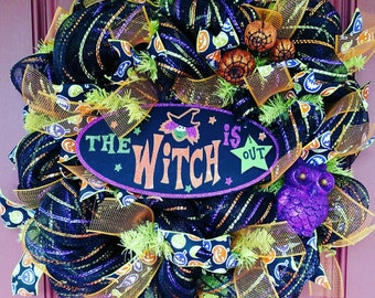 Witch wreath. Witch decor. Witch decorations. Halloween wreath. Halloween decor. Halloween decorations. Halloween front door. Pumpkin wreath