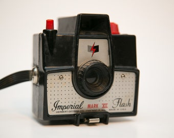 Imperial Mark XII Flash Plastic 620 Camera