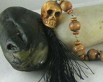 Bone Carved Skull Prayer Beads - Paternoster - Tenner - Memento Mori