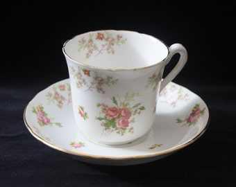 Pretty Jackson and Gosling Ye Old English Grosvenor China Tea Cup, Saucer and Side Plate Trio