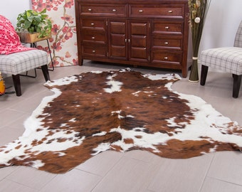 Superior quality brown tricolor hairy Cowhide Rug size approx 5x7