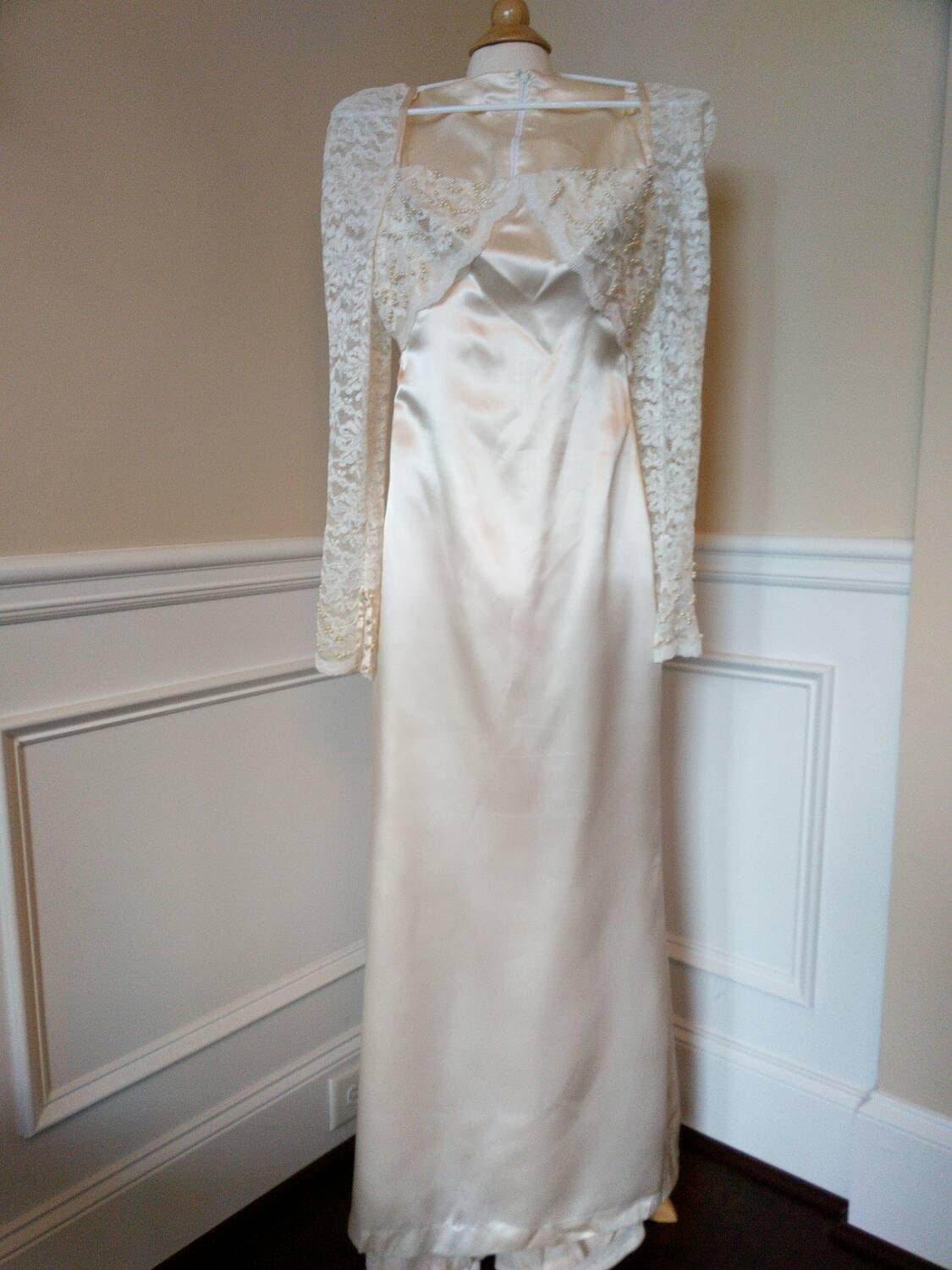 Vintage 60s Satin and Lace Wedding Dress in Ivory