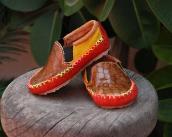 SALE - 40% OFF - Handmade leather shoes for toddlers - Red/Sunflower/Snake Size 20/3.5