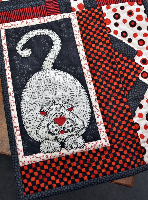 Quilted Cat Table Runner