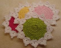 Crochet Queens Crown Coaster Set. Crochet coaster pattern.