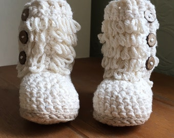 3-6 months Cream crochet loopy boots