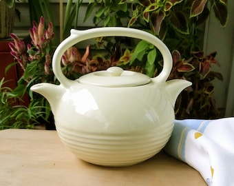 Vintage Hall Twinspout Tea Master Teapot
