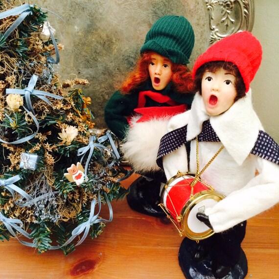Joy And Noel Holiday Caroler: Dickens Carolers A Christmas Carol Dolls Singing Caroler