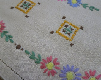 Sweet Vintage Irish Linen Tea Cosy- Hand Embroidered Flowers