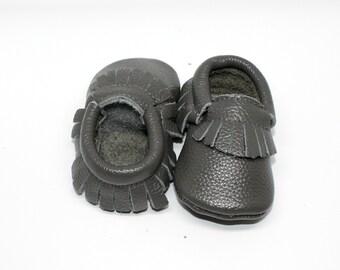 FREE SHIPPING! Grey Baby Moccasins // Grey Toddler Moccasins // Baby Boy Moccasin // Baby Mocassin // Neutral Baby Shoe