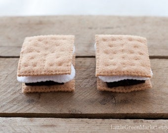 Smores, Felt S'more set, camping toy, felt food, pretend play campfire cooking
