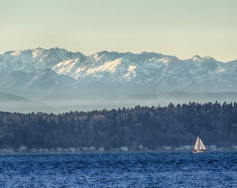 A sailboat on a sunny day in the Puget Sound