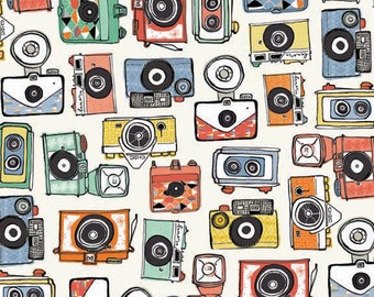 Cameras Retro Camera Cotton Fabric from the Vacation Collection by Makower per fat quarter and per metre
