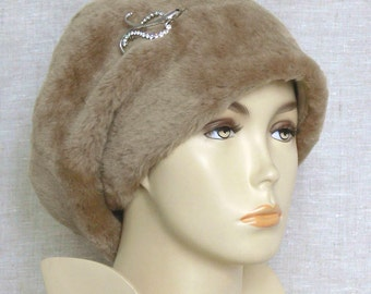 Women's hat, Italian sheepskin,winter hat, elegance and style.