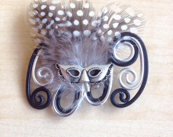 Black and silver brooch Venice Carnival in aluminium and feathers