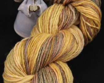 Handspun Yarn Gently Thick and Thin DK Single Merino 18 micron 50, Silk Tussah 50